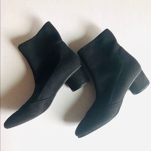 NINE West stretch fabric booties